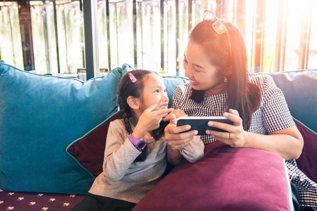 Trẻ thiếu thốn thời gian chất lượng bên cha mẹ dễ căng thẳng, lo âu
