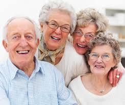 Con người càng già càng hạnh phúc