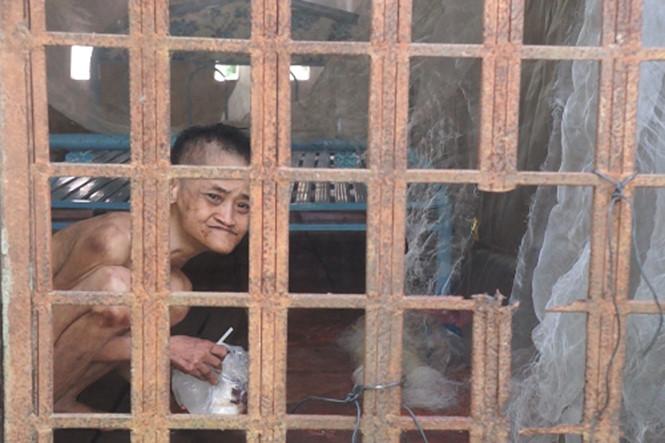 Câu chuyện đau lòng về người phụ nữ tâm thần bị người nhà 'giam' gần 20 năm