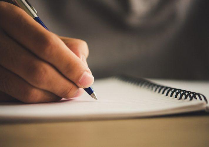 """Tập viết """"nhật ký"""" để giảm stress"""