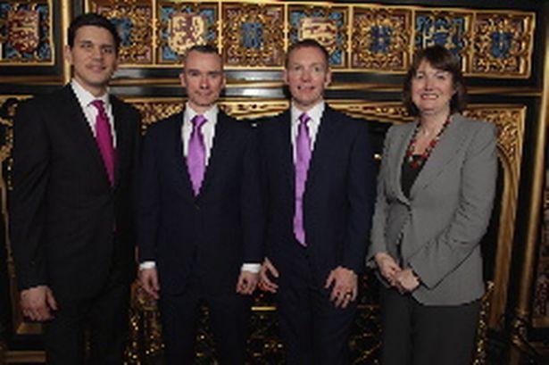 Bộ trưởng Anh kết hôn đồng tính ngay tại trụ sở nghị viện