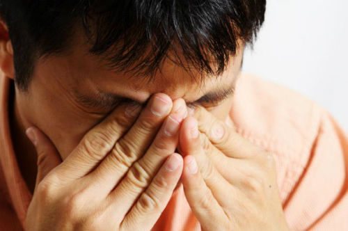 Sống trong gông cùm vì có vợ ghen bệnh hoạn