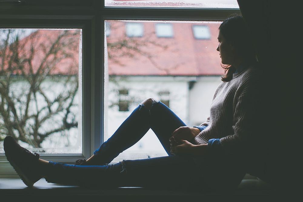 Con gái của những bà mẹ không biết yêu thương: 7 nỗi đau thường gặp