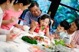 Xây dựng hạnh phúc gia đình qua những bữa cơm hàng ngày