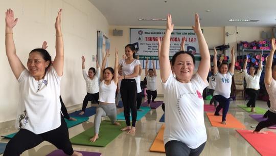 Tập yoga lâu nhưng sao càng mập, càng già?