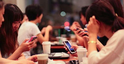 Nghiện mạng xã hội: Những hệ lụy nguy hiểm!