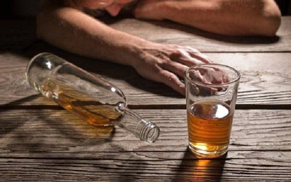 Rượu liên quan đến 740.000 ca ung thư trên toàn thế giới vào năm 2020