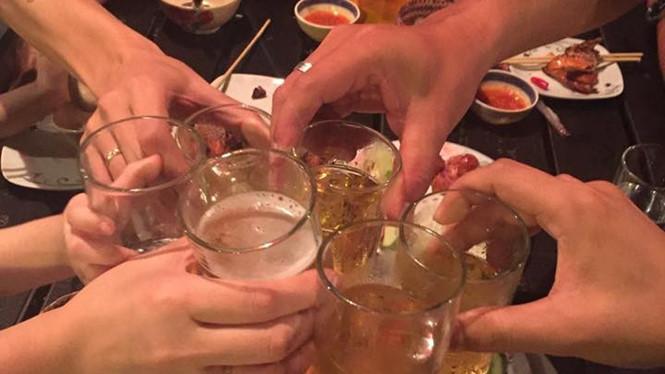 Thanh niên Việt Nam uống rượu bia dẫn đầu các nước Đông Nam Á