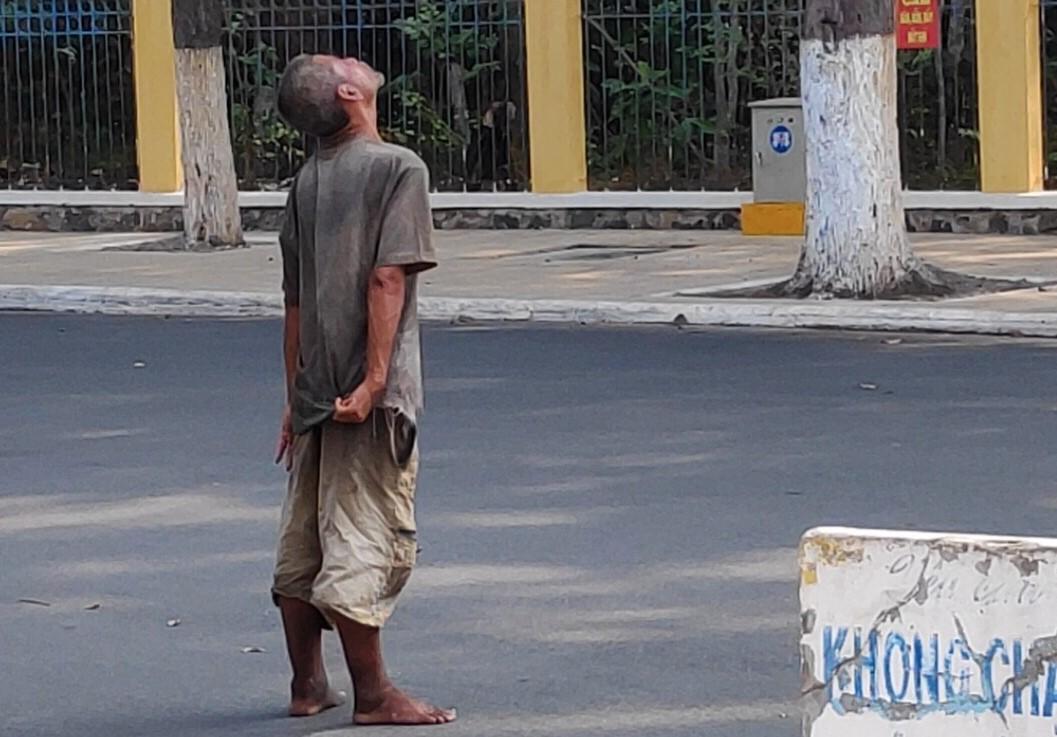 Người điên trên đường phố