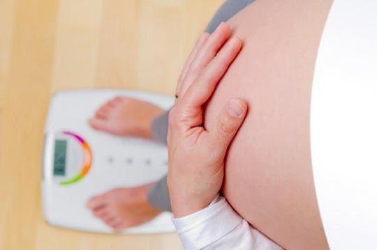 Con tăng động vì mẹ tẩm bổ quá nhiều khi mang thai