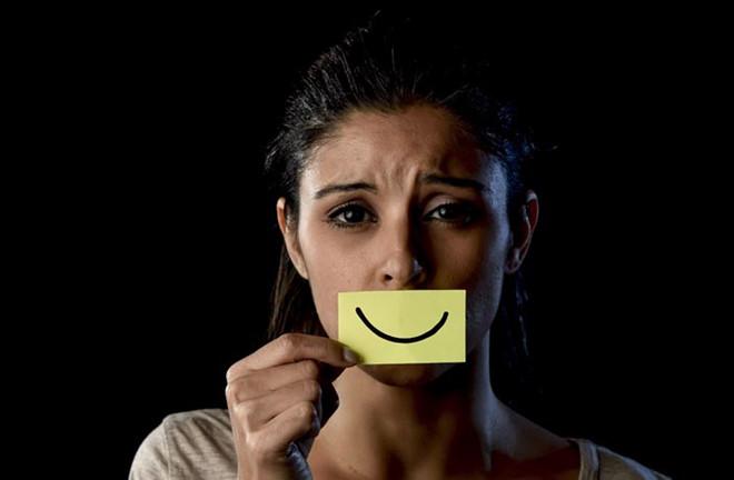 Vì sao có người hài hước, vui cười suốt nhưng lại bất ngờ tự tử?