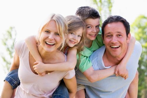 Ứng xử của cha mẹ trong gia đình hai con